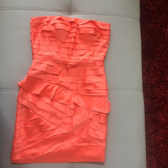 Jessica Simpson Dresses & Skirts - Jessica Simpson off shoulder dress